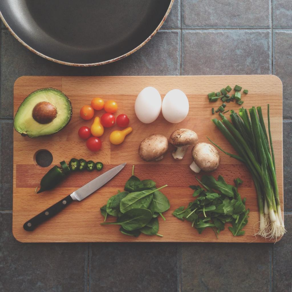 Ingrediants laid out on a chopping board.